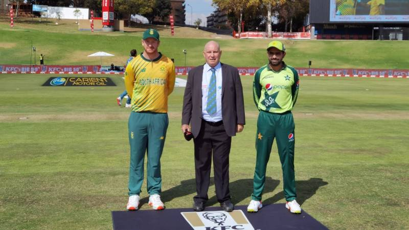 Unchanged Pakistan bowl first in last T20 against South Africa