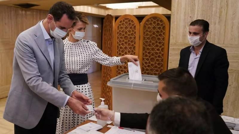 Syria's Assad submits candidacy for May vote