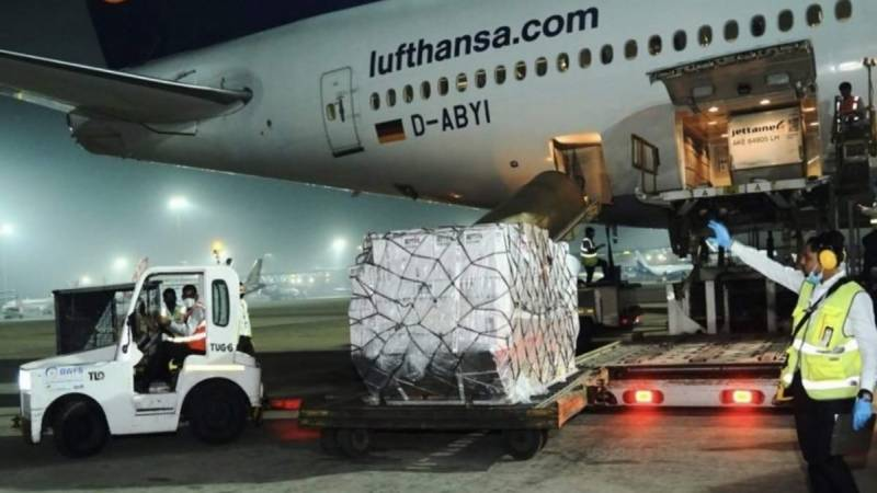 First shipment of UK Covid medical aid arrives in India