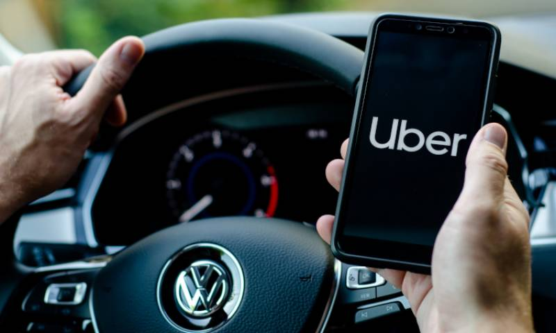 Uber adds 'valet' car rentals as it looks to rev rides