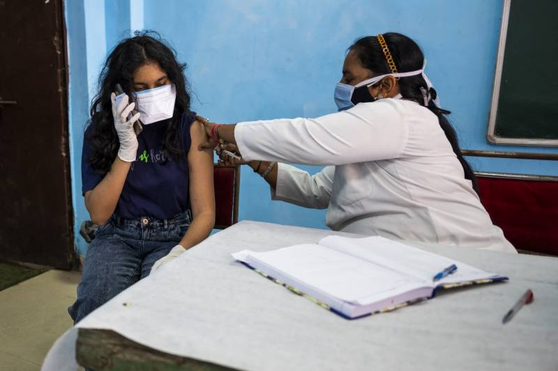 Deadly oxygen shortages as India nears 20 million cases