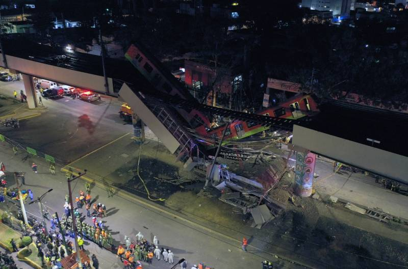 20 dead as elevated metro train collapses in Mexico