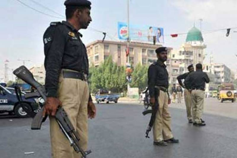 Three kidnappers killed in Karachi shootout