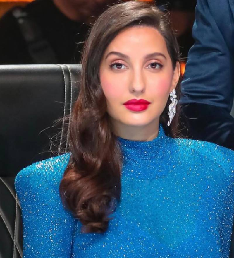 Dancing doll Nora Fatehi's new pics draw 1.4m likes in eight hours