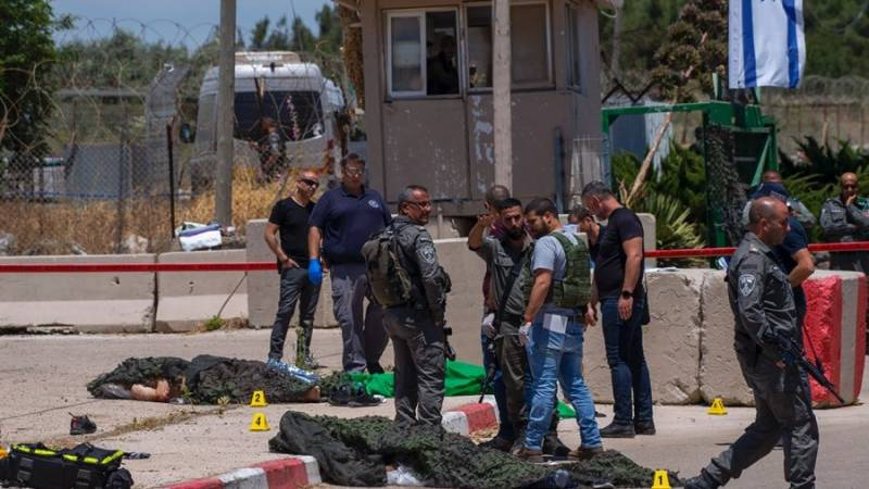 Israel police kill two Palestinians attacking West Bank base