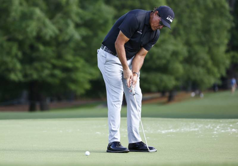 Focused Phil Mickelson leads by two at Quail Hollow