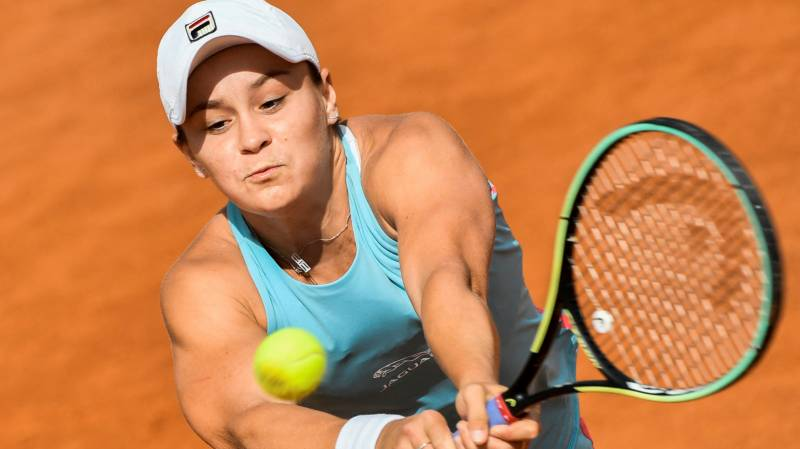 Top seed Barty eases into Rome third round