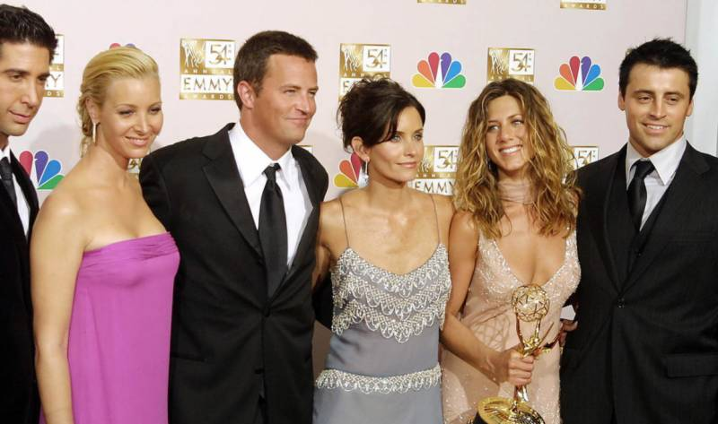 'Friends' cast joined by Bieber, Beckham for May 27 reunion special