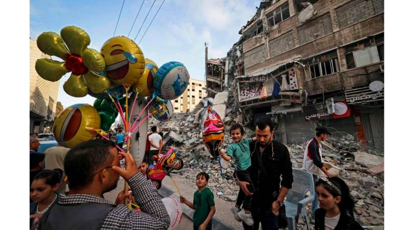 Life slowly resumes in ravaged Gaza Strip after ceasefire
