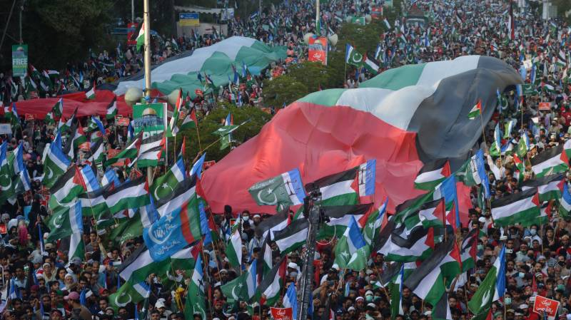 Israel's 'tail on fire' over Pakistan's aggressive, successful diplomacy on Palestine