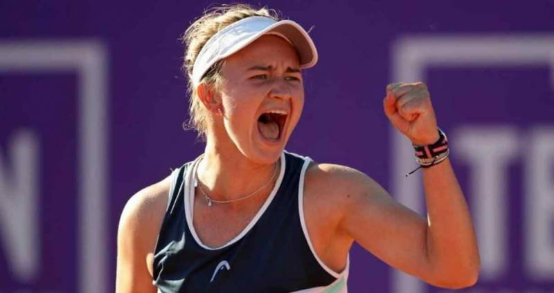 Krejcikova warms up for Roland Garros with first singles title