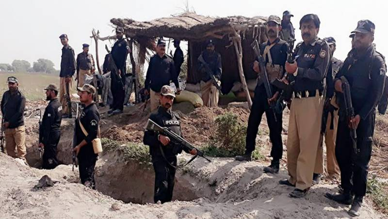 Police halt operation against dacoits in Sindh