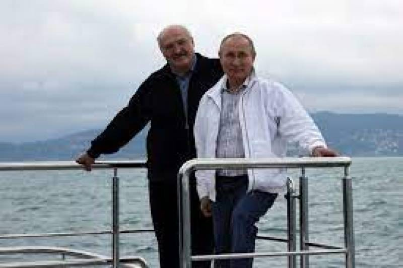 Putin and Lukashenko go for boat ride after plane outcry