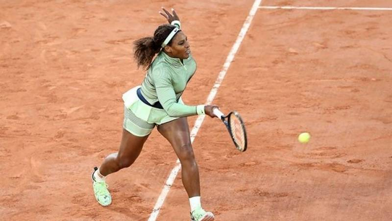 Serena looks to take advantage of open draw at Roland Garros