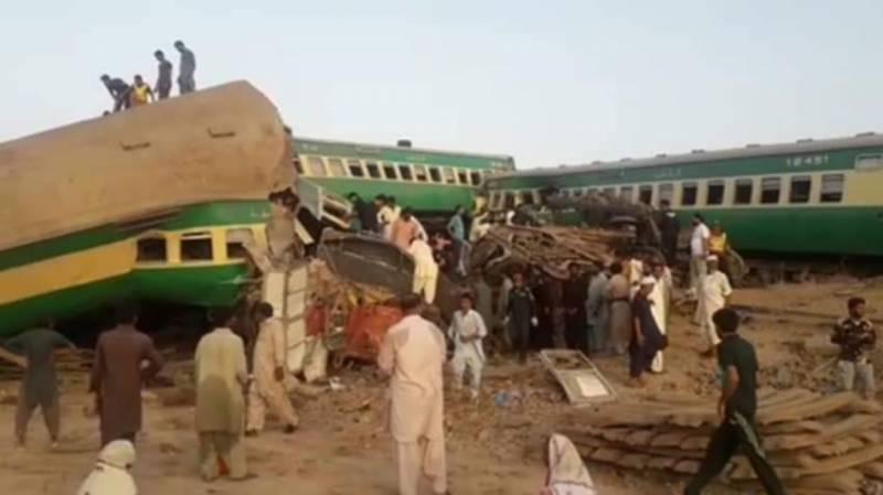 Death toll in Ghotki train accident rises to 53, over 100 injured