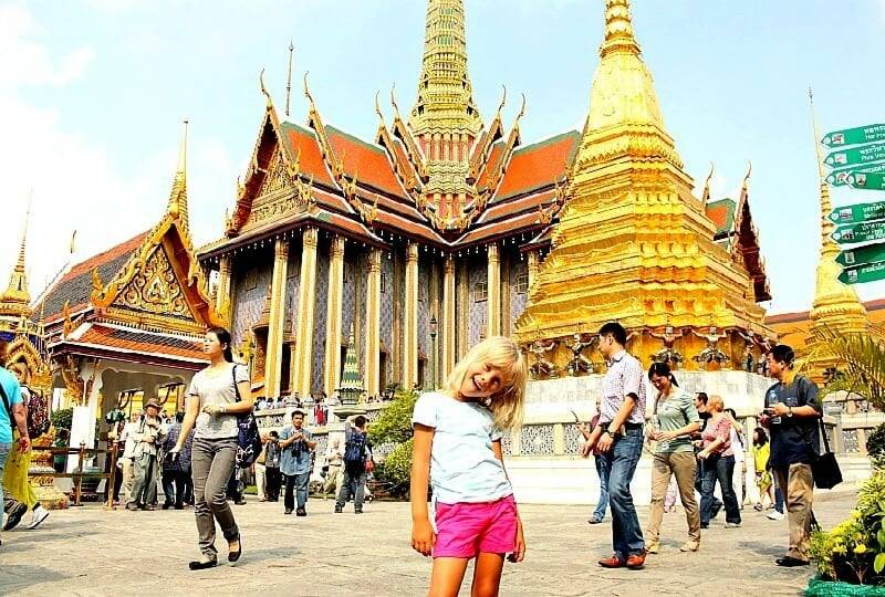 Tourist-hungry Thailand launches virus vaccination push