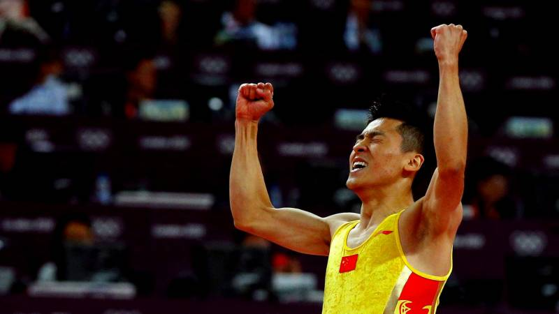 Chinese trampolinist Dong Dong bounces to record fourth Olympics
