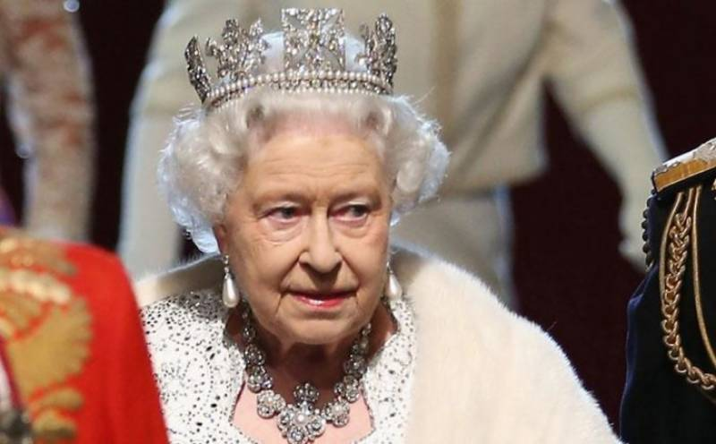 UK govt slams students for ditching 'colonial' queen portrait