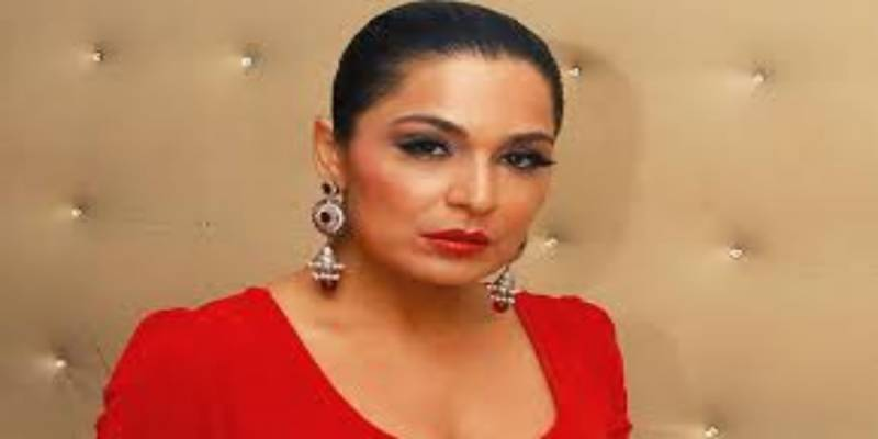 Meera submits applications to DG FIA, Interior Minister against occupation of her house