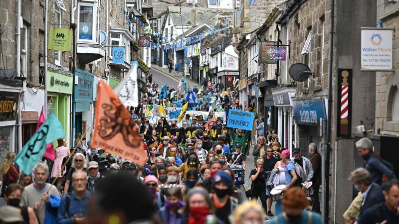 Marching climate activists urge G7 to step up