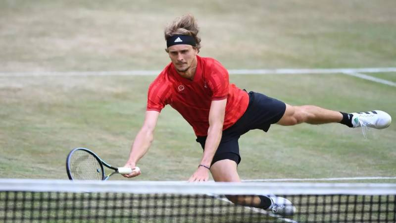 Zverev crashes out of Halle as seeds suffer on grass