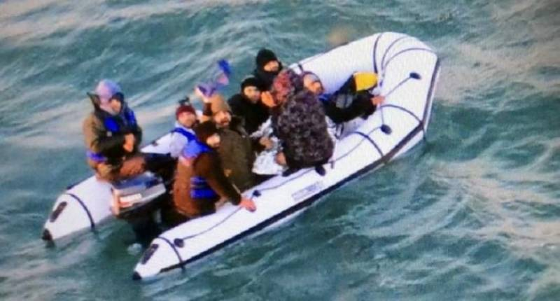 2 women, child among 4 dead in Canaries migrant boat tragedy