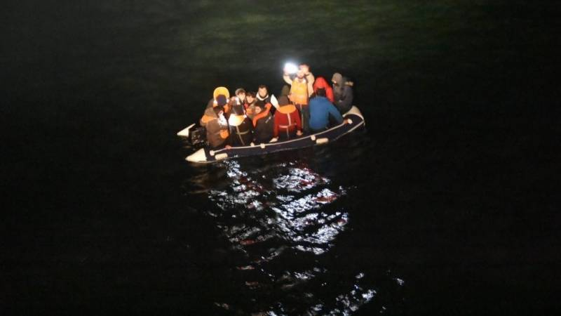 80 migrants rescued in English Channel trying to reach UK