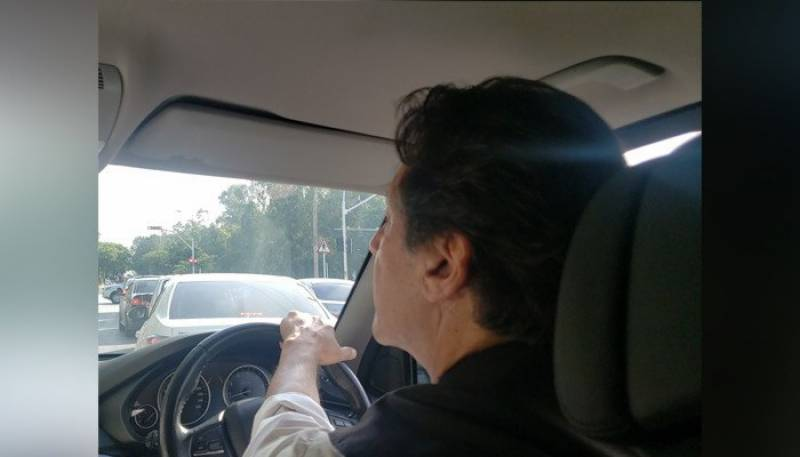 PM drives on roads of Islamabad without protocol