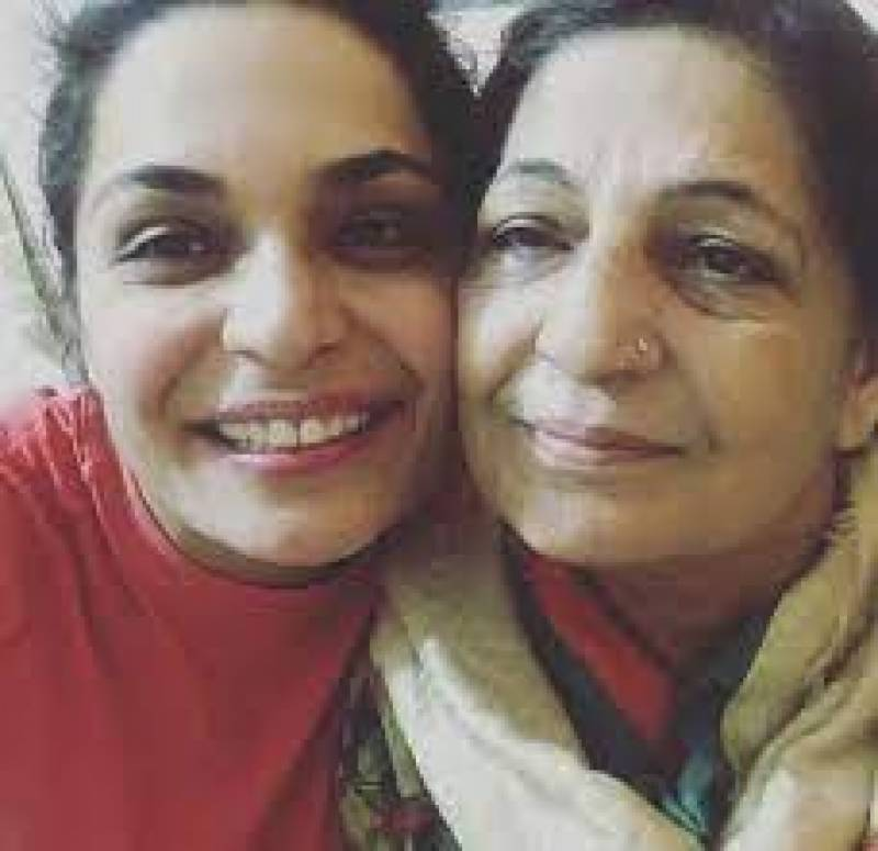 FIR filed against Meera Jee's mother for failing to return Rs10 million loan
