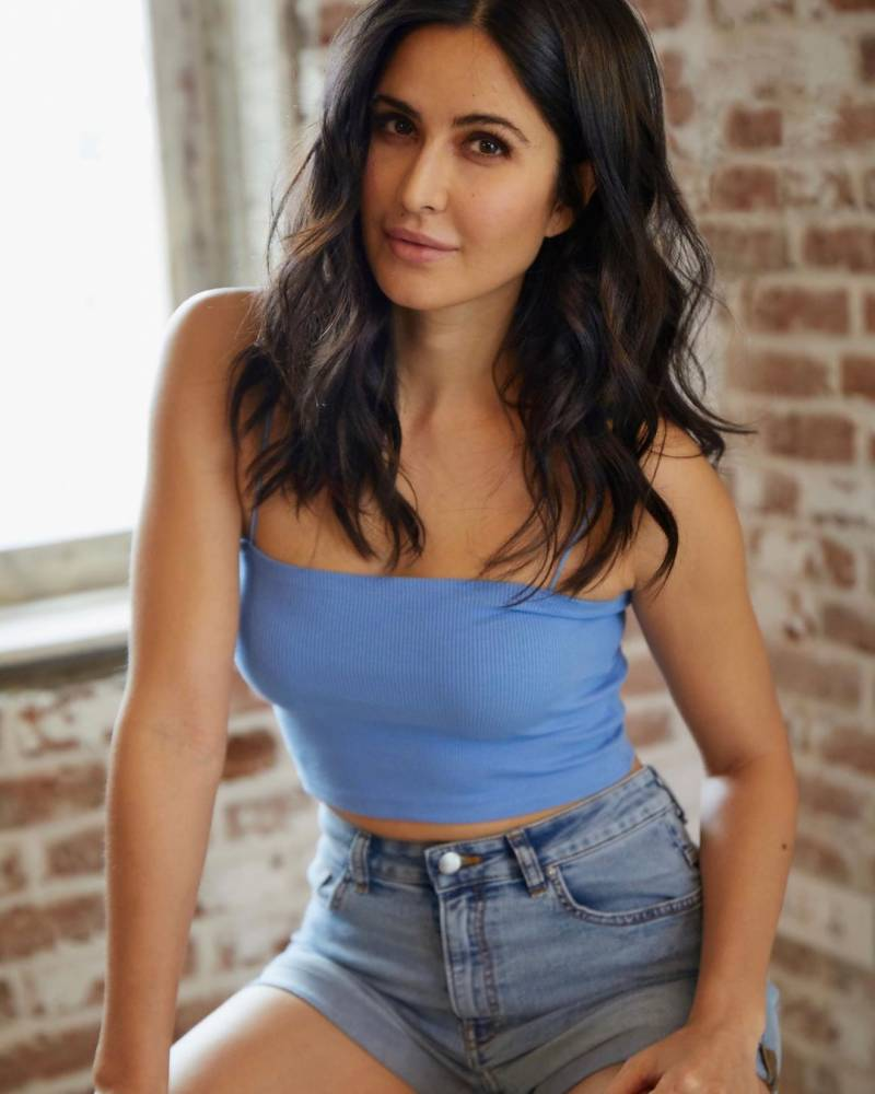 'Moody' Katrina Kaif dazzles fans with latest pictures