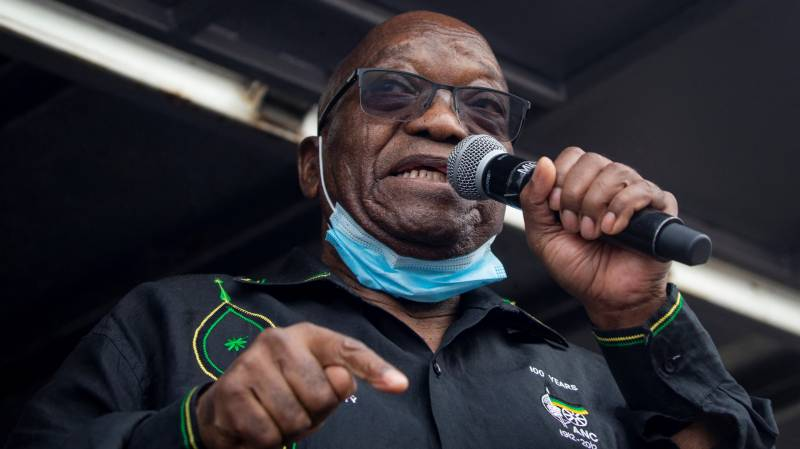 South Africa's Zuma refuses surrender to police by deadline