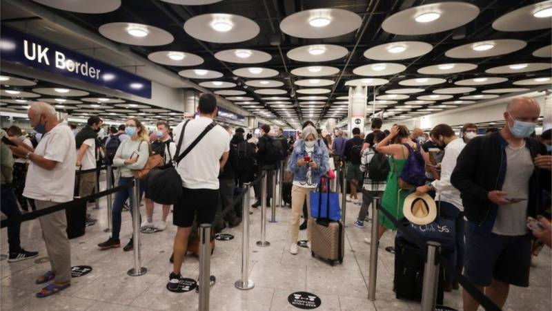 Heathrow airport to fast-track vaccinated passengers