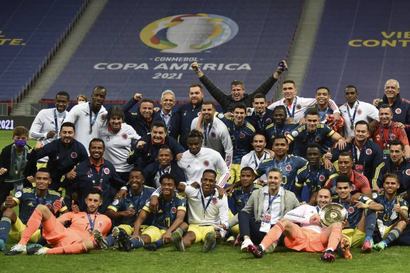 Diaz stunner downs Peru to give Colombia Copa 3rd place