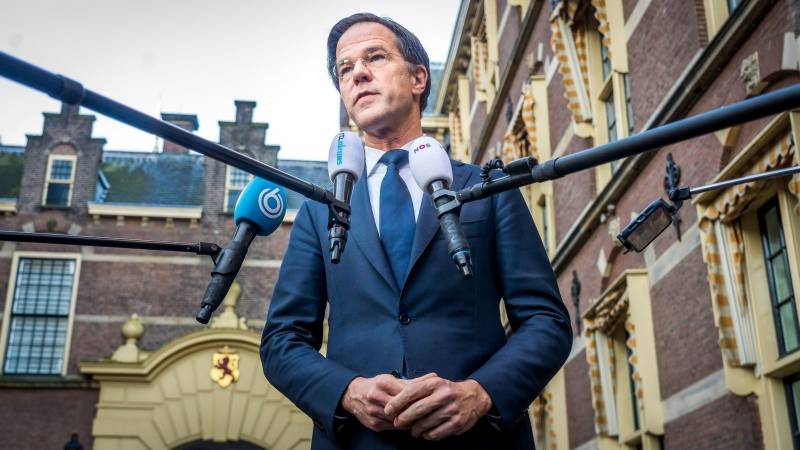 Dutch PM apologises for easing virus measures