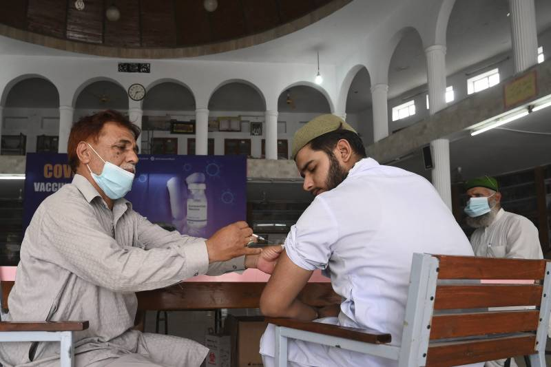Pakistan posts 21 new coronavirus deaths, 1,590 infections in a day