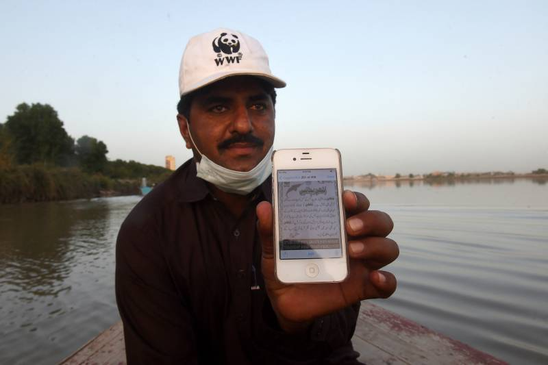 Fishermen join fight to save endangered Pakistan dolphin