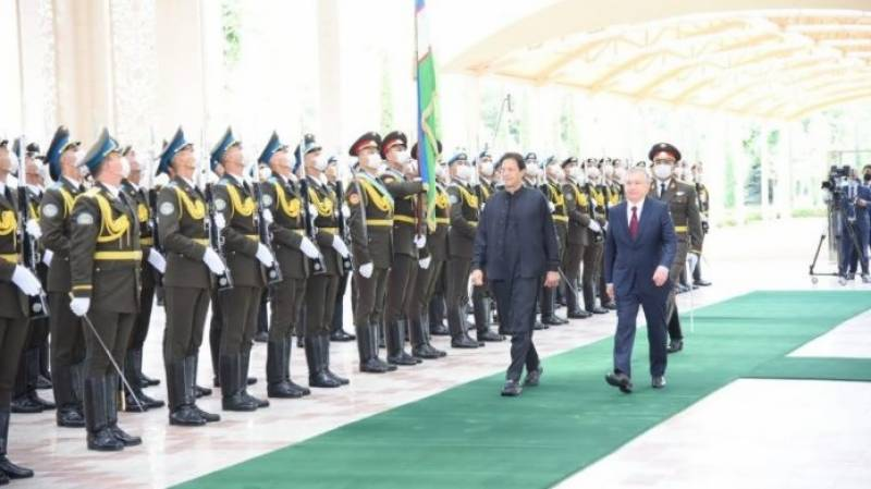 PM accorded warm welcome on arrival in Uzbekistan