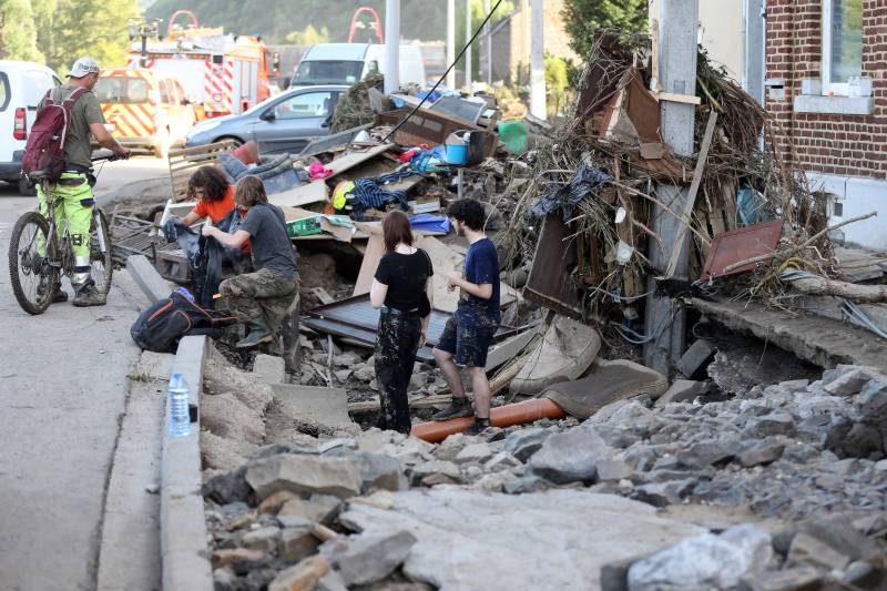 Death toll in Europe floods tops 180