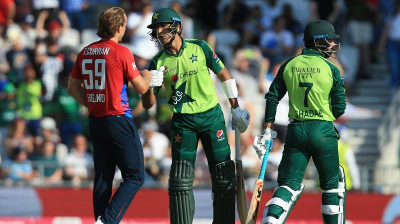 England beat Pakistan by 45 runs in second T20