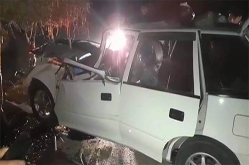 Three dead in cars head-on collision in Nawabshah