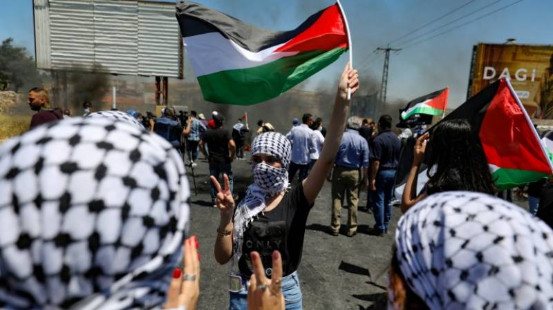 Over 140 Palestinians hurt in clashes with Israel troops: medics