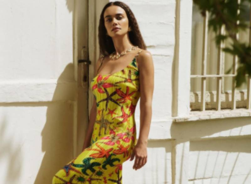 Ertugrul's second wife Hande Soral looks bewitching in yellow dress