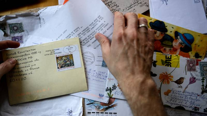 For Russian prisoners, letters provide rare 'moment of joy'