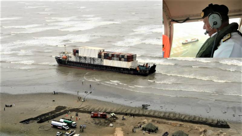 Pakistan Navy completes defueling from stranded Heng Tong-77