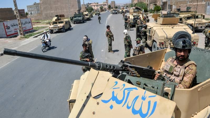 Commandos deployed as Afghan forces battle Taliban for control of cities