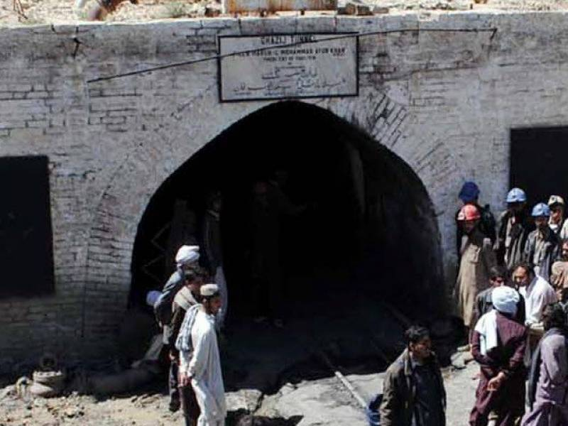 3 colliers' bodies still trapped under mine in Jamshoro