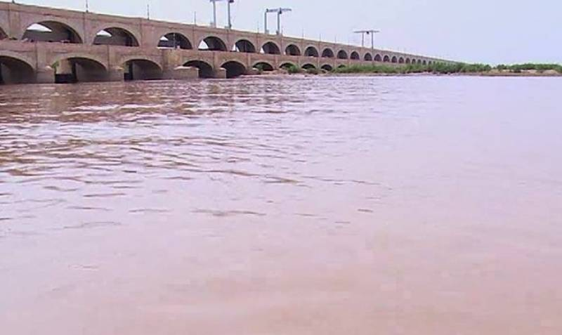 No relief as Taunsa Sharif continues to suffer from floods