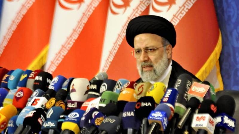 Raisi says Iran backs moves to lift sanctions but won't bow to pressure