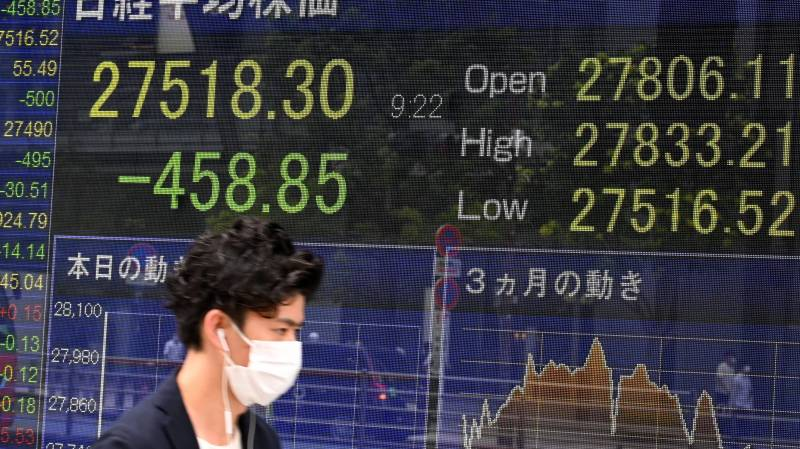 Asian stocks mixed as China recovery weakens