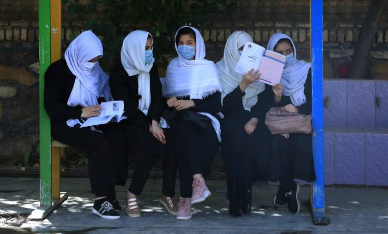 Afghan girls return to school in Herat after Taliban takeover
